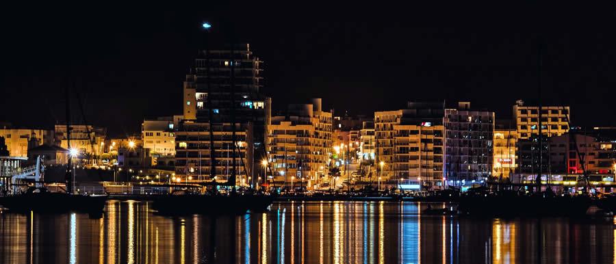 Iveduta del Porto di biza by night