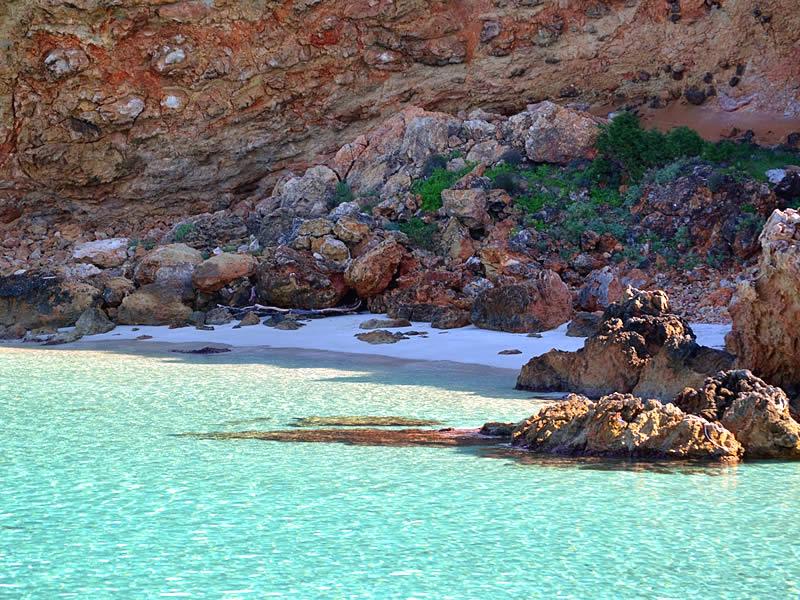 Cala di mare a Ibiza